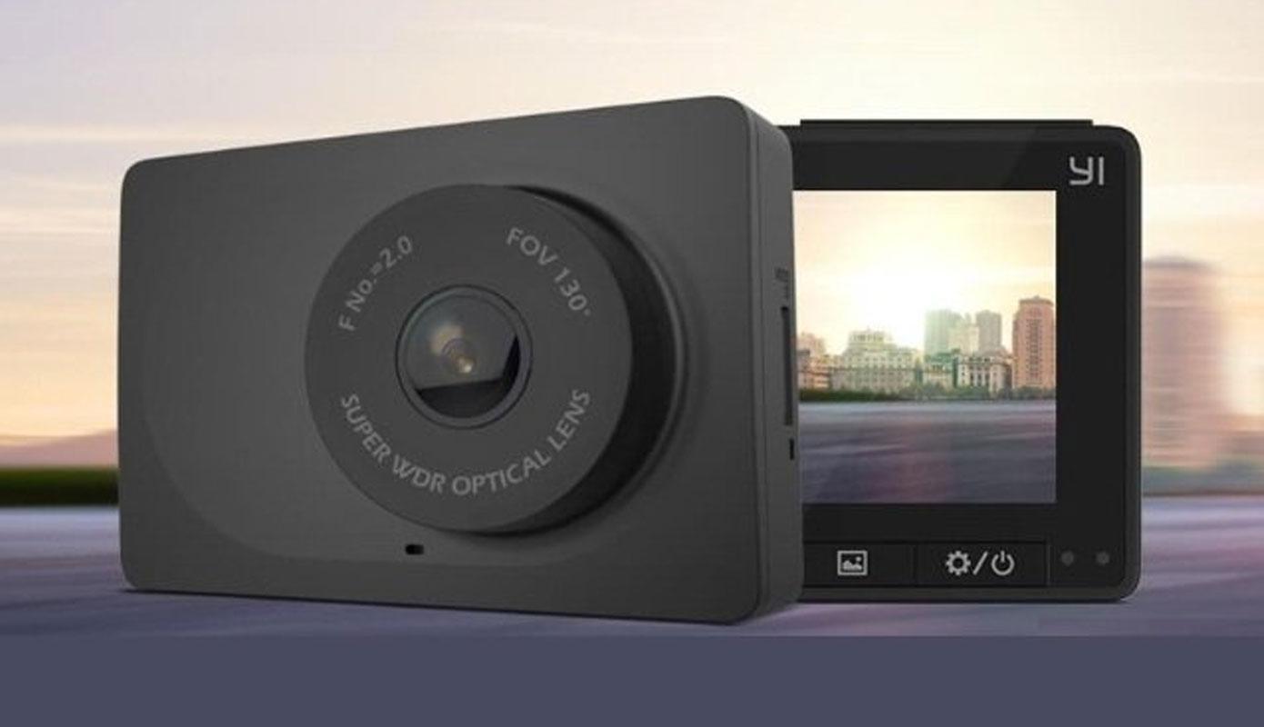 Opisanie Videoregistrator Xiaomi Yi Smart Dash Camera Se Chernyj 1