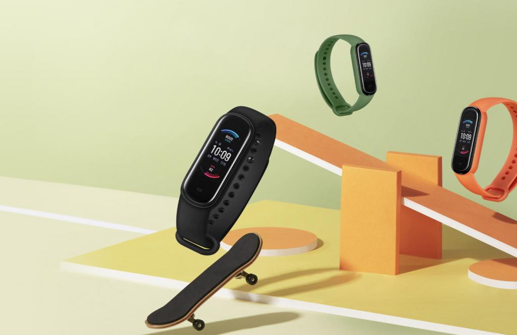 Opisanie Fitnes Braslet Xiaomi Amazfit Band 5 1