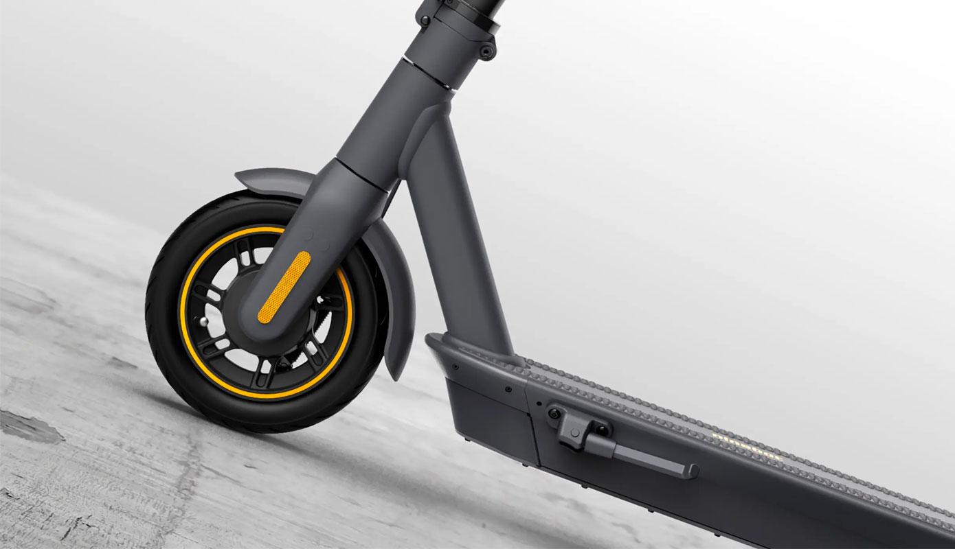 Opisanie Elektrosamokat Ninebot Kickscooter Max G30 7